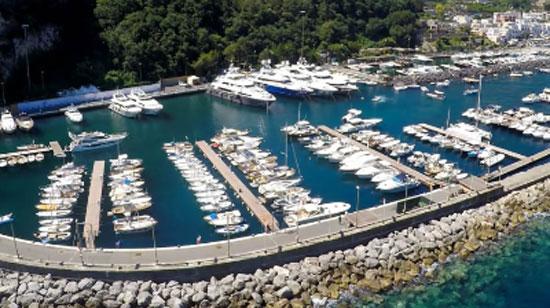 Porto-Turistico-di-Capri550
